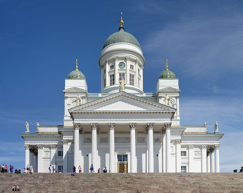 Helsinkis kirkers svar på et rødt emoji-hjerte: Voldsom!